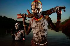 Brent Stirton » Photojournalist - with lights