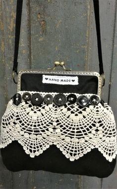 Roseliini: Laukku, kassi#handbags #handmade #sewing Chanel Boy Bag, Kate Spade, Shoulder Bag, Handbags, Sewing, Totes, Dressmaking, Couture, Shoulder Bags
