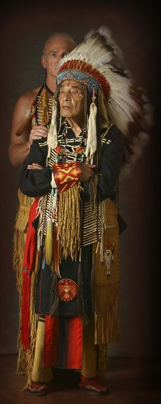 Two generations of family.Proud native indian old man. such a detailed elements of costume Native American Images, Native American Beauty, Native American Tribes, American Spirit, American Indian Art, Native American History, American Indians, Native Indian, Native Art