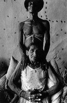 Josef Koudelka (b. January is a Czech photographer. Josef Koudelka was born in 1938 in Boskovice, Moravia. He began photogr. Henri Cartier Bresson, Magnum Photos, Book Photography, Street Photography, Urban Photography, Portrait Photography, Man And Wife, Still Life Photos, Photographer Portfolio