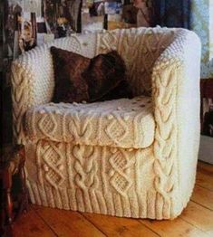 Slipcover........ Armchair Slipcover, Slipcovers, Chair Cushions, Upholstered Chairs, Ottoman, Diy Design, Interior Design, Modern Interior, Design Ideas