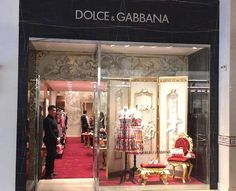 Italian luxury fashion brand Dolce & Gabbana has opened its first Vietnam pop-up store at Rex Hotel, 141 Nguyen Hue Street, Ho Chi Minh City. Designed by Milan-based designers Giovanni Bressana, the Dolce & Gabbana pop-up offers the label's latest women's collections to Vietnamese shoppers. The pop-up store will precede an official flagship scheduled to open in May. #dolcegabbana #hochiminhcity #thelocationgroup #shopopening #storeopening #elocations