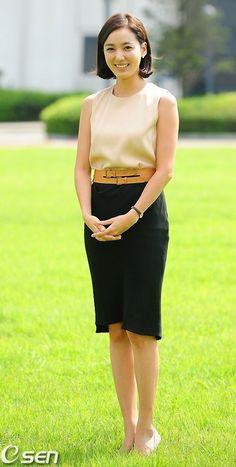 Lee So Yeon, Satin Blouses, Korean Beauty, Photo Galleries, Female, Drama, Gallery, Movie, Fashion