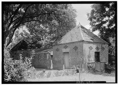 Southern Mansions, Southern Plantations, Abandoned Property, Abandoned Places, Usa House, Agricultural Buildings, Virginia History, Suburban House, Antebellum Homes