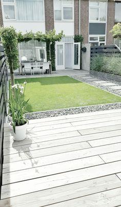 Achter tuinMij ietswat te fantasieloos, maar het is een 'typische Nederlandse achtertuin' als je me 't zou vragen. :)