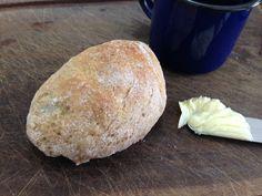 Receita super simples de pão de inhame semi integral para aumentar as fibras do seu café da manhã ou lanchinho da tarde!