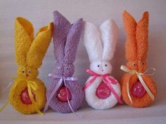 New baby shower recuerdos toallas Ideas Bunny Crafts, Easter Crafts, Holiday Crafts, Idee Cadeau Baby Shower, Towel Origami, Origami Easy, Diy And Crafts, Crafts For Kids, Towel Animals