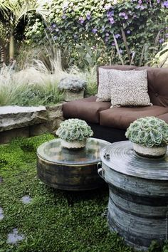 love these upcycled tables & the potted succulents... perfect for a pot of tea, a scone and some mag-love