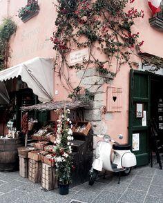 photo by @eleonoracarisi • Italy