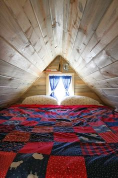 Moon to Moon: Christopher and Merete's Tiny home....