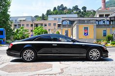 2 door Maybach by Xenatec /Apparently, someone decided to make a small run of Maybach 57 coupes. However, they are NOT hardtop coupes in that they have a B-pillar. Maybach Coupe, Mercedes Benz Maybach, Bugatti, Lamborghini, Exotic Sports Cars, Exotic Cars, Dream Cars, Supercars, Daimler Benz
