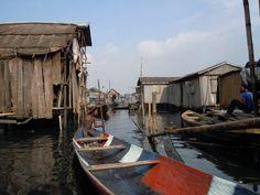 Afrique. A Makoko, immense cité lacustre de 250.000 habitants