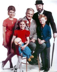 Family Affair, starring Brian Keith, Sebastian Cabot, Kathy Garver, Anissa Jones and Johnny Whitaker, 1966-1971.