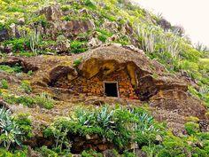 LA GOMERA ISLAND (Canary Islands): Beautiful old cave dwelling