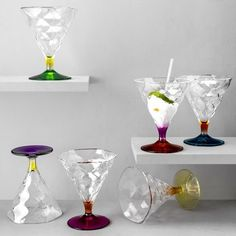 RCR Riflessi Ice Cream Bowl Set 6 Pcs - This set of six ice cream bowls from RCR will definitely be a treat for ice cream junkies. Made of glass, this transparent set promises to make your midnight ice cream sessions more fun!