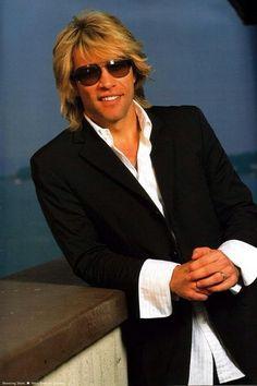 See Jon Bon Jovi pictures, photo shoots, and listen online to the latest music. Jon Bon Jovi, Gorgeous Men, Beautiful People, Bon Jovi Pictures, Bon Jovi Always, Hommes Sexy, Keith Urban, Pop Singers, Jesse James