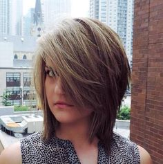 Shaggy bob haircut suits everybody. From texture, layers, and asymmetrical ends - shaggy bob has it all. Shaggy Bob Hairstyles, Shaggy Bob Haircut, Medium Shag Haircuts, Teen Hairstyles, Straight Hairstyles, Bob Haircuts, Simple Hairstyles, Layered Haircuts, Braided Hairstyles