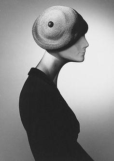 Cotton, raffia, House of Dior, 1949.