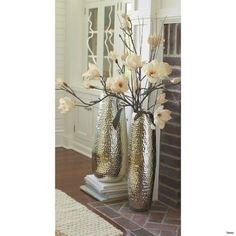 Metal Floor Vase for sticks Big Vases, Tall Vases, Flower Vases, Flower Arrangements, Vase Transparent, Sala Grande, Vase Design, Metal Floor, Wood Floor
