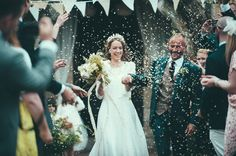 Prussia Cove Wedding Stephanie Allin Laure De Sagazan Bride In Antique Wax Crown The Blue Carrot Wedding Florist Harrera Images