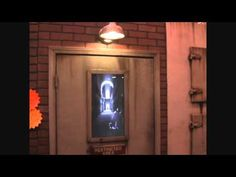 The Asylum Door Haunted House Animatronic Halloween Illusion  Um awesome, especial when she tries to break out with an axe.