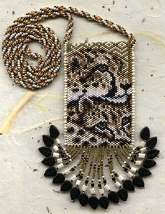 cherokee beadwork | All patterns and images © Felinda and Sydde Beaded Cuff Bracelet, Beaded Bracelet Patterns, Beaded Earrings, Beaded Jewelry, Bracelets, Jewellery, Native Beadwork, Native American Beadwork, Beaded Purses
