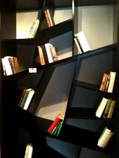 Muebles asimétricos entregan un estilo fresco y divertido