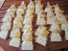 Cake cookies for a friend´s parents 50th golden anniversary