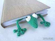 Amigurumi marque page Gecko crocheté Marque-pages Au Crochet, Crochet Cozy, Crochet Bookmark Pattern, Crochet Bookmarks, Crochet Tablecloth, All The Colors, Blog, Flats, Amigurumi