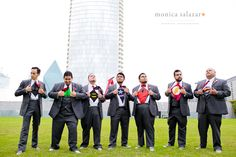 Groom and groomsmen group photo pose.