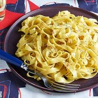 Really Buttery Saffron Tagliatelle, 30-Minute Meals | http://www.rachaelraymag.com/recipe/really-buttery-saffron-tagliatelle/