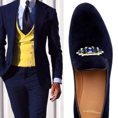 Only a gentleman of a certain economic status or certain pedigree can pull off this look... T