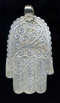 """Morocco - Hand of Fatima """"Khamsa - Khomissa - Hamsa"""" silver - floral pattern -Essaouira from my personal collection Height: cm Width: cm Weight (Gr. Metal Jewelry, Boho Jewelry, Unique Jewelry, Hope Art, Hand Of Fatima, Hamsa Hand, Silver Pendants, Jewellery Display, Antique Silver"""