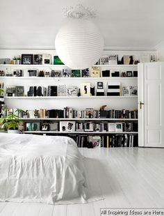 Adorable 65 Simple Bedroom Shelves Design Ideas https://roomaholic.com/1036/65-simple-bedroom-shelves-design-ideas
