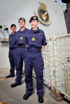 Royal Navy Sailors Wearing the Personal Clothing System (PCS) by Defence Images, via Flickr