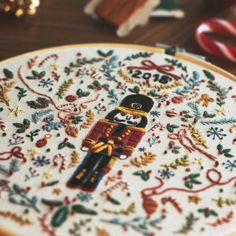 Christmas Embroidery Patterns, Hand Embroidery Projects, Hand Embroidery Designs, Diy Embroidery, Cross Stitch Embroidery, Nutcracker Christmas, Couture, Needlework, Nutcrackers