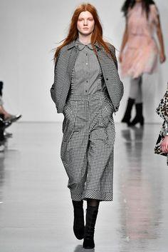 Bora Aksu Autumn/Winter 2017 Ready to Wear Collection | British Vogue