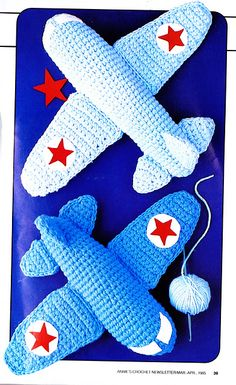 Play Planes 2 sizes 9 long and 12 long Vintage 1985 4 ply weight yarn. Size 6 hook Buy 2 pdf files get a third free. PDF files can not be Crochet Diy, Stitch Crochet, Crochet Baby Toys, Crochet Amigurumi, Love Crochet, Amigurumi Patterns, Crochet Animals, Crochet For Kids, Crochet Crafts