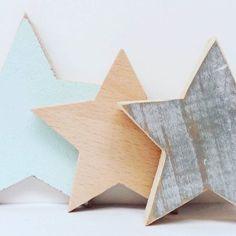 wooden stars deco rustic nordic style - Holzsterne Deko rustikal nordischer Stil . . . . . #wood #holz #handarbeit #handicraft #austria #österreich #deko #dekoration #stpölten #handmade #design #dowoodworking #geschenk #geschenksidee #giftidea #gift #holzundleidenschaft #woodart #personalisiert #personalized #stpoelten #stpölten #deco #decoration #handmadeintheeveryday #woodenstars #stars #holzsterne #nordic #rustic #rustikal