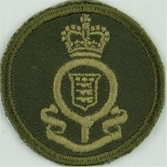 Princess Patricia's Canadian Light Infantry Green Bush Hat Badge Other Ranks' cap badge for sale Queen Elizabeth Crown, Queen Crown, Canadian Army, Commonwealth, Armed Forces, Beret, Badges, Empire, British