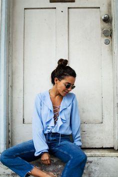 <p>Paula de MyPeeptoes con blusa de volantes.</p>