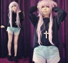 Anonymous said: I was wondering if you had any tips for pulling off pastels, and a cuter more girly look? But also paired with combat boots (Doc Martins) Answer: I think you need some pastel goth in. Estilo Goth Pastel, Pastel Goth Outfits, Pastel Grunge, Grunge Hair, Pastel Goth Fashion, Dark Fashion, Kawaii Fashion, Gothic Fashion, Pastel Rainbow Hair