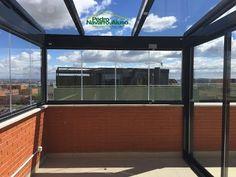 TECHO FIJO VIDRIO Y CORTINA DE CRISTAL - YouTube Rooftop, Playroom, Sweet Home, Backyard, Windows, Architecture, Outdoor Decor, Projects, Decking