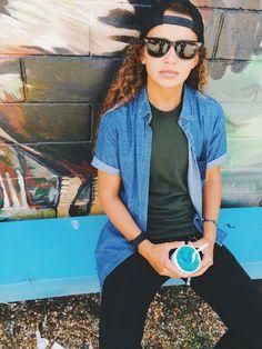 tomboy/femme style. : Photo