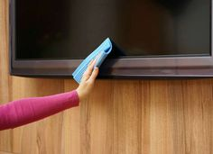 Never use all-purpose cleaning spray on electronic screens. Try a 50/50 mixture of vinegar and water