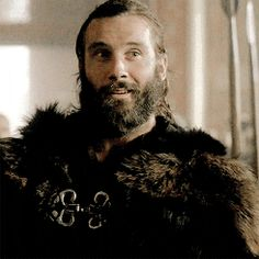 """The princess legit was just talkin shit about him and he just goes """"hi"""" and smiles like this 😂 his cocky ass gonna start some shit Vikings Tv Series, Vikings Tv Show, Vikings Travis Fimmel, Vikings Rollo, Rollo Lothbrok, Vikings Season 4, Historical Fiction Authors, King Ragnar, Viking Series"""