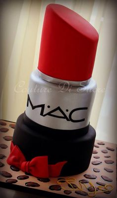 MAC Lipstick Cake - this is incredible! My next cake! Crazy Cakes, Big Cakes, Fancy Cakes, Make Up Torte, Make Up Cake, Love Cake, Pretty Cakes, Cute Cakes, Beautiful Cakes