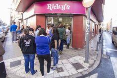 Tiendas Rickys La Laguna - Calle Heraclio Sanchez, 37 - Tfno. 922631563  Lunes a Viernes de 09.30 a 20.30 horas - Sábados de 09.30 a 13.30 horas
