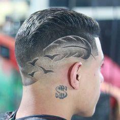 Deixe seu comentário, e siga nosso perfil . Black Men Haircuts, Cool Haircuts, Undercut Hair Designs, Hair Designs For Men, Barber Haircuts, Shaved Hair Designs, Haircut Designs, Hair Tattoos, Undercut Hairstyles