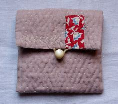 pouch/purse/wallet in dusty pink linen , hand sewn